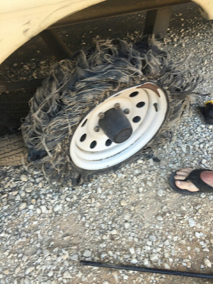 Tire Dry Rot >> Blown tire on 5th wheel dry rot | Trap Shooters Forum