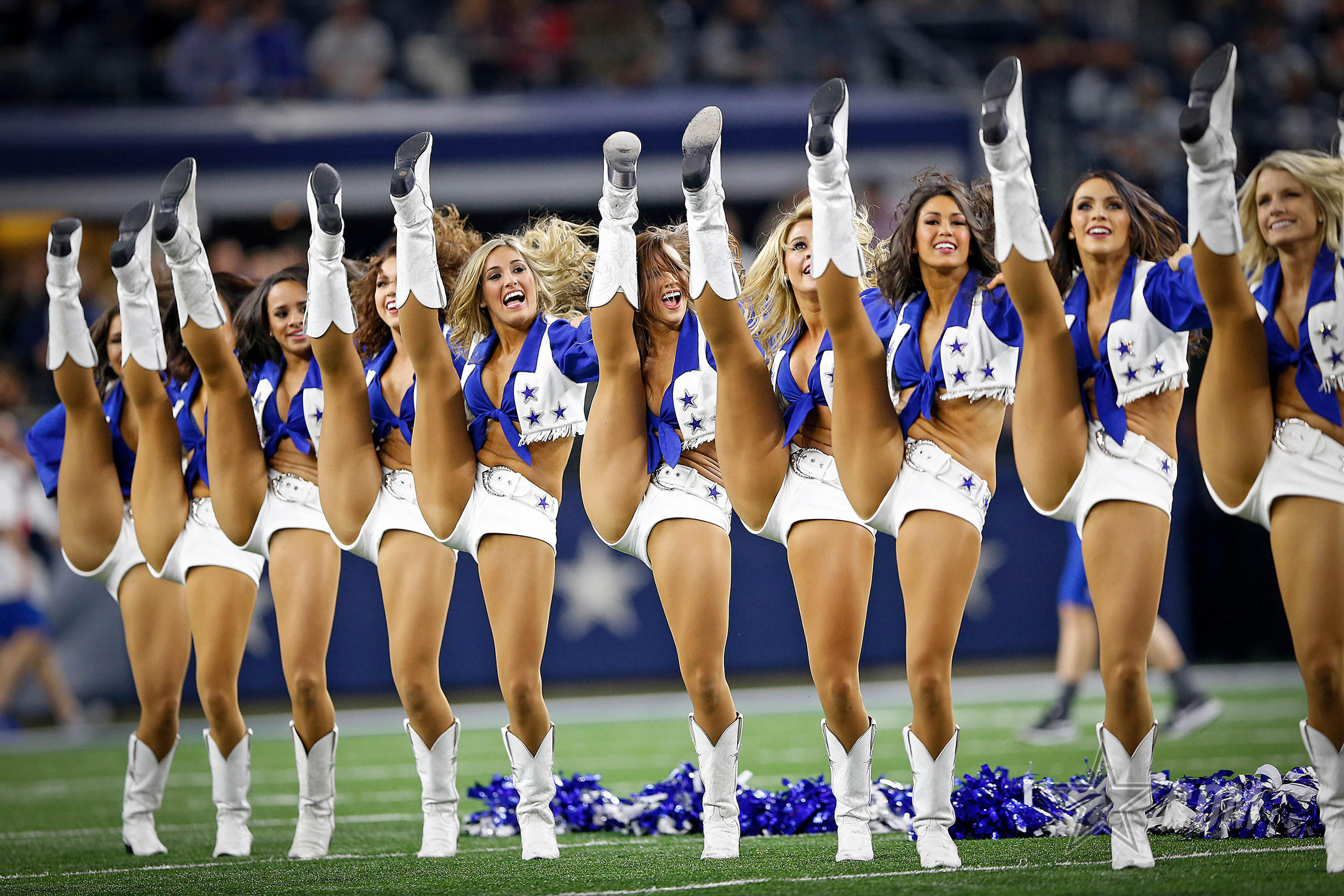 pictures-of-topless-dallas-cowboy-cheerleaders-black-girl-get-nailed