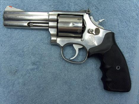New S&W Model 66 Combat Magnum Grips?