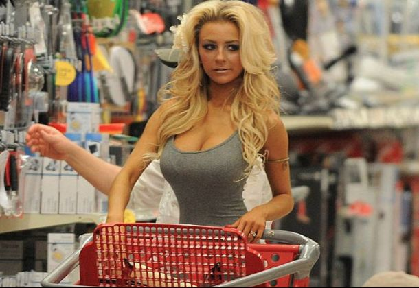 hot-babes-of-walmart-public-russian-female-nudity-free-pictures